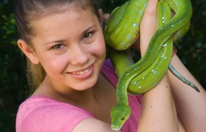Bindi Irwin,posing with an American politician