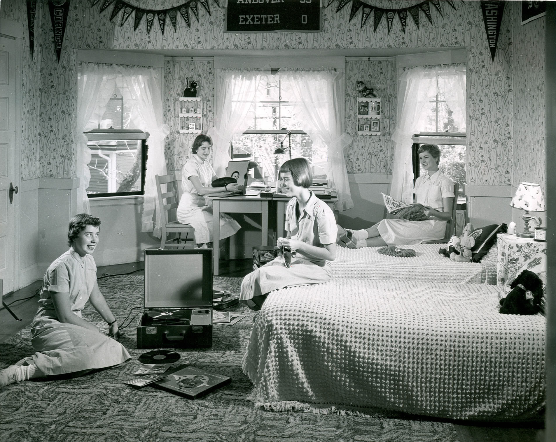 Now this is incivility ethics alarms for Rooms to go 1960
