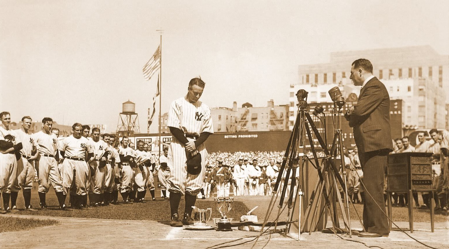 lou gehrig farewells to his fans All-time-non-stars matt welch and his commenteers have more on the best ballplayer never to make the all-star team debate--it's now a debate because other people besides me are talking about it.