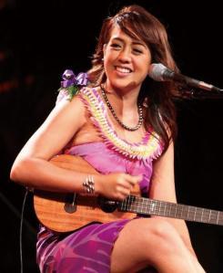 Janice Keihanaikukauakahihuliheekahaunaele , singing her name.