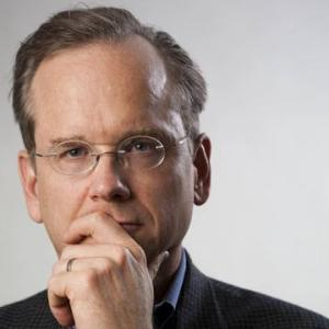 Full disclosure: Because I believe that nobody in the history of photography who wasn't pompous as hell posed this way for a picture, and because Lessig has several pictures in this pose, I wouldn't trust him anyway.