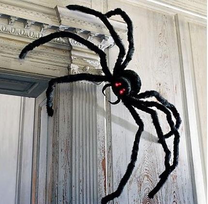 creepy-spider-halloween-decoration