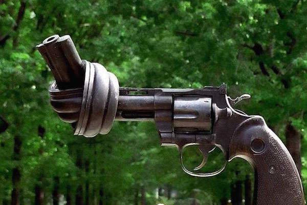 Safe gun