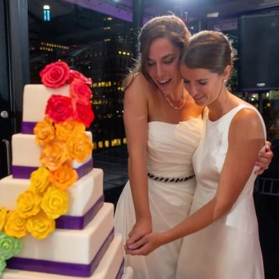 same sex-cake-cutting-