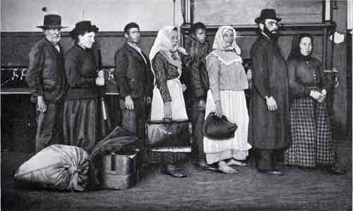 immigrants-ellis-island