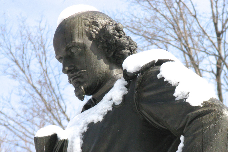 statue-of-william-shakespeare-central-park-new-york-city