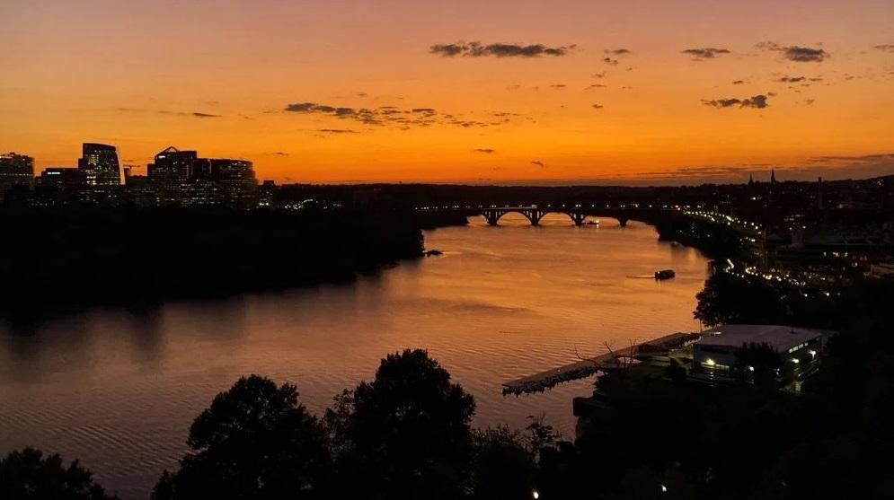 watergate-sunset