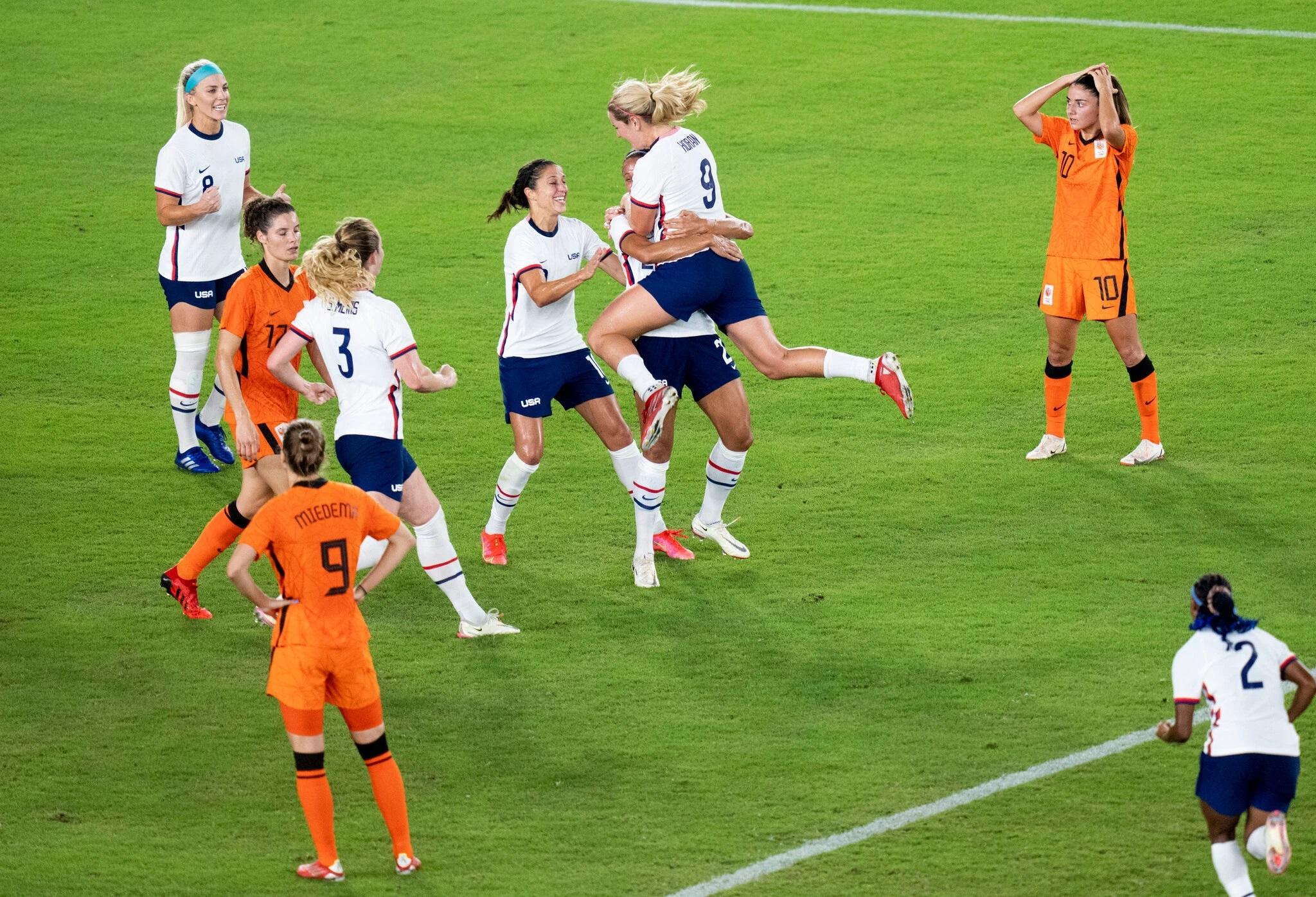 Womens soccer goalie